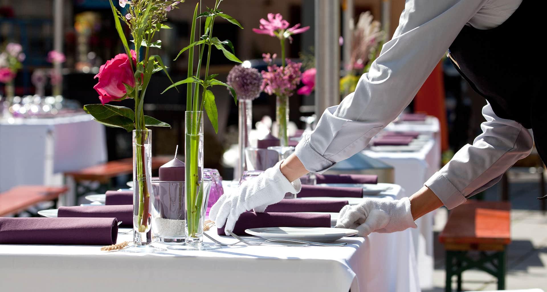 eventpersonal-servicepersonal-cateringpersonal-messehostess-servicekraft-mieten